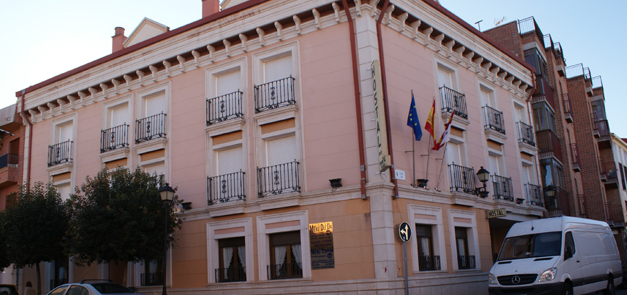 hostal-virgenvillar-valladolid-rotulo