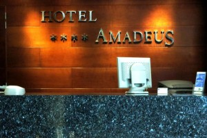hotel-amadeus-valladolid-rotulo